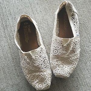 424e122b9f0 TOMS Alpargatta Moroccan Crochet Flat Size 7.5
